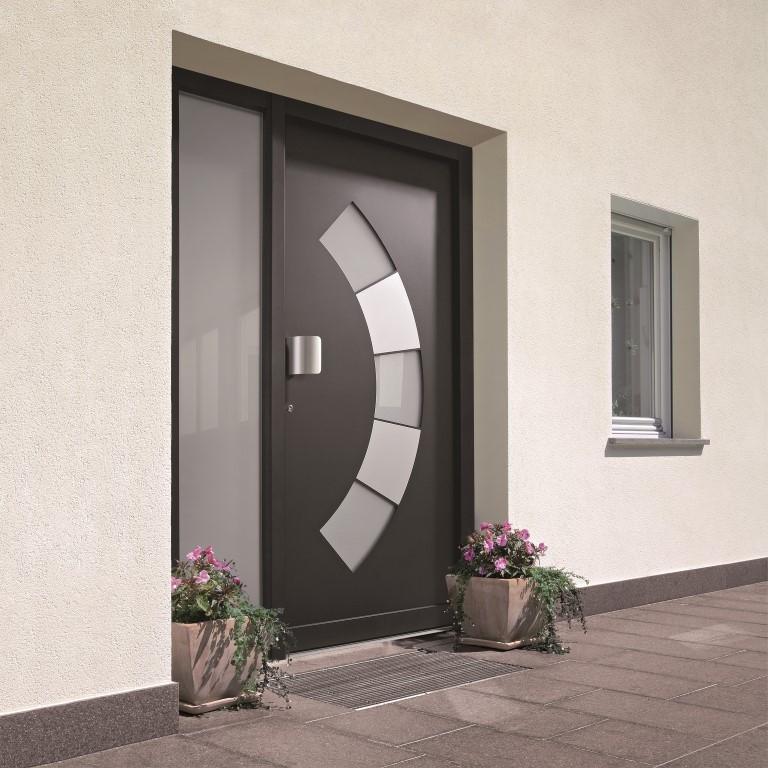 Portoncini in pvc alluminio gruppo zancop for Diseno de puertas en madera para exteriores